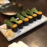 インスタ映えする芽ネギとうずらの軍艦と安くて美味しい握り人気の東京・中目黒の「いろは寿司」